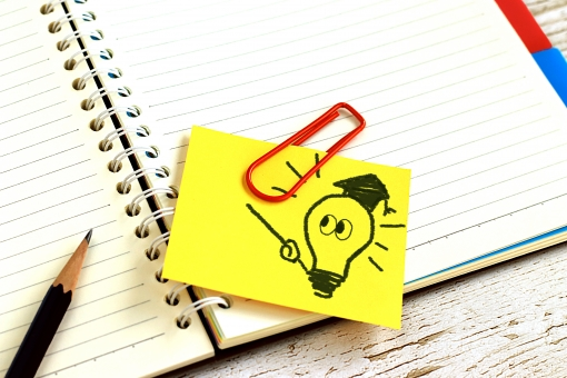 【10月~開始】\紹介予定派遣/朝はゆっくり10時出社◎簿記3級があれば応募OK!未経験から経理経験を積んでいけます!飲食業界で《経理事務》【WEB登録面談実施中】