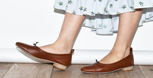 婦人靴販売スタッフ
